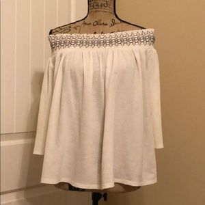 Apt 9 - Size XL - cream off shoulder top pre-owned